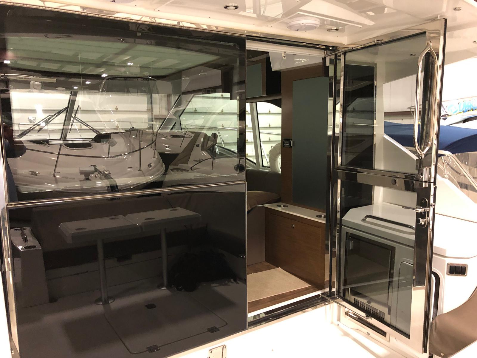 2016 Cruisers Yachts boat for sale, model of the boat is 45 Cantius & Image # 12 of 16