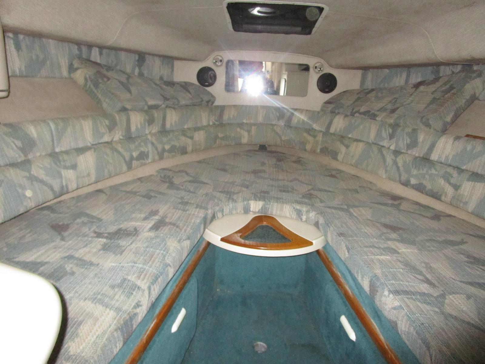 1994 Sea Ray boat for sale, model of the boat is 270 Sundancer & Image # 4 of 11