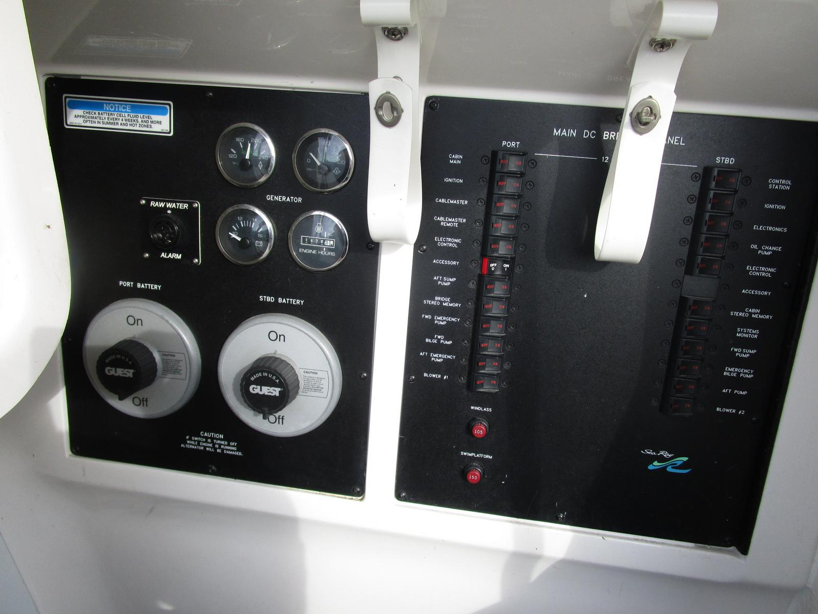 2003 Sea Ray boat for sale, model of the boat is 480 Sedan Bridge & Image # 2 of 15