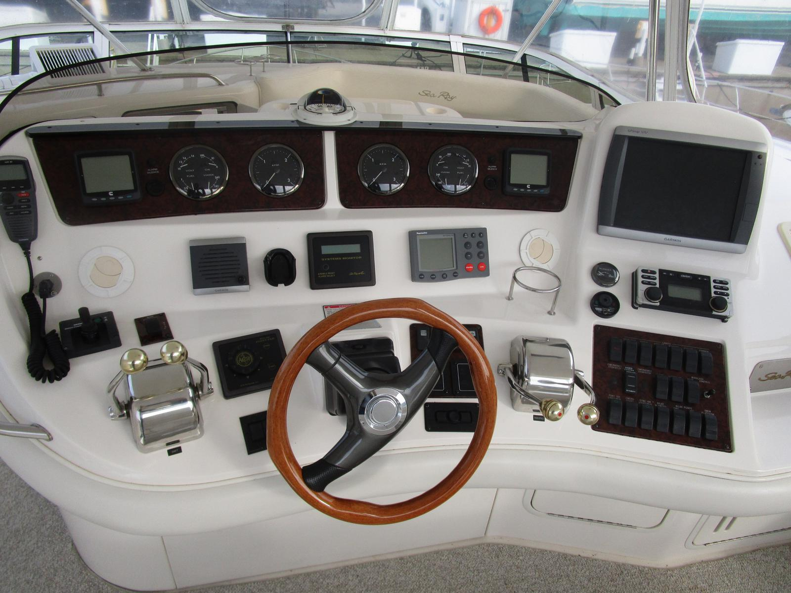 2003 Sea Ray boat for sale, model of the boat is 480 Sedan Bridge & Image # 4 of 15