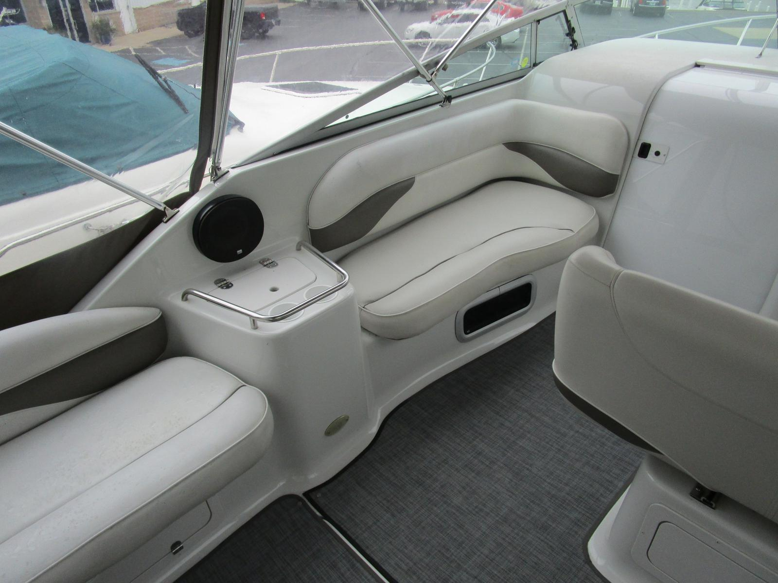 2003 Crownline boat for sale, model of the boat is 262 CR & Image # 3 of 11