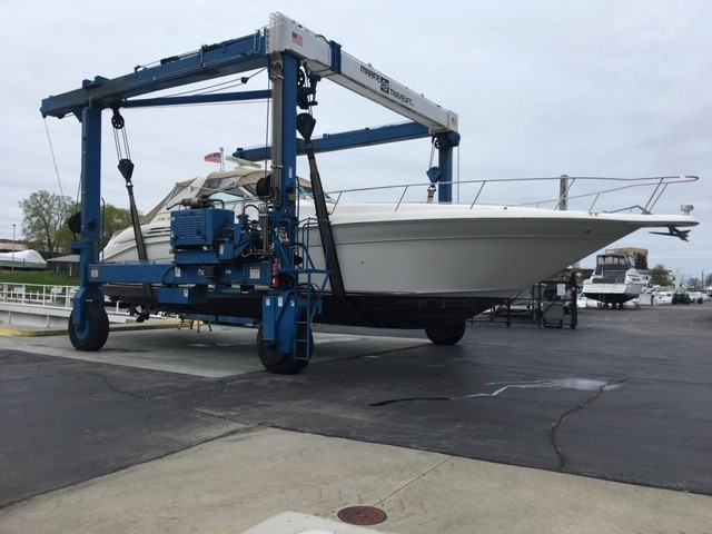 1997 Sea Ray boat for sale, model of the boat is 450 Sundancer & Image # 1 of 5