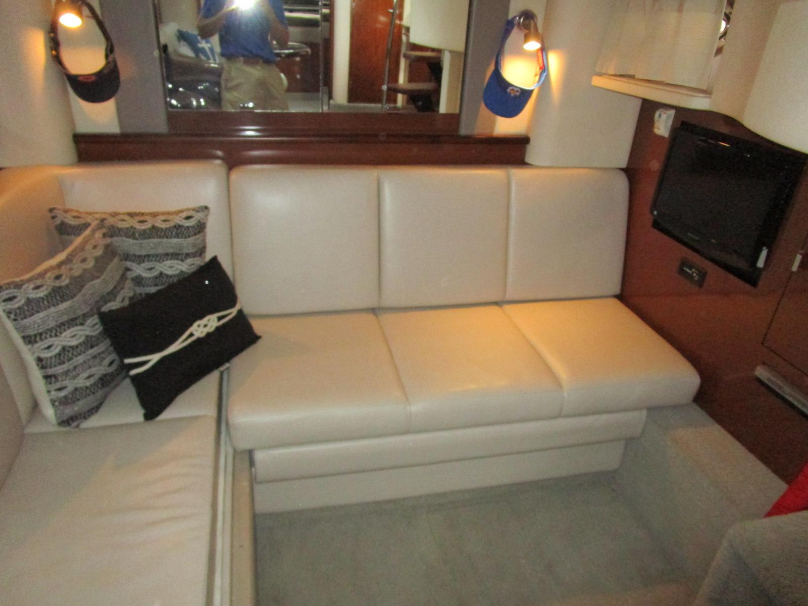 2010 Sea Ray boat for sale, model of the boat is 40 Sundancer & Image # 7 of 14
