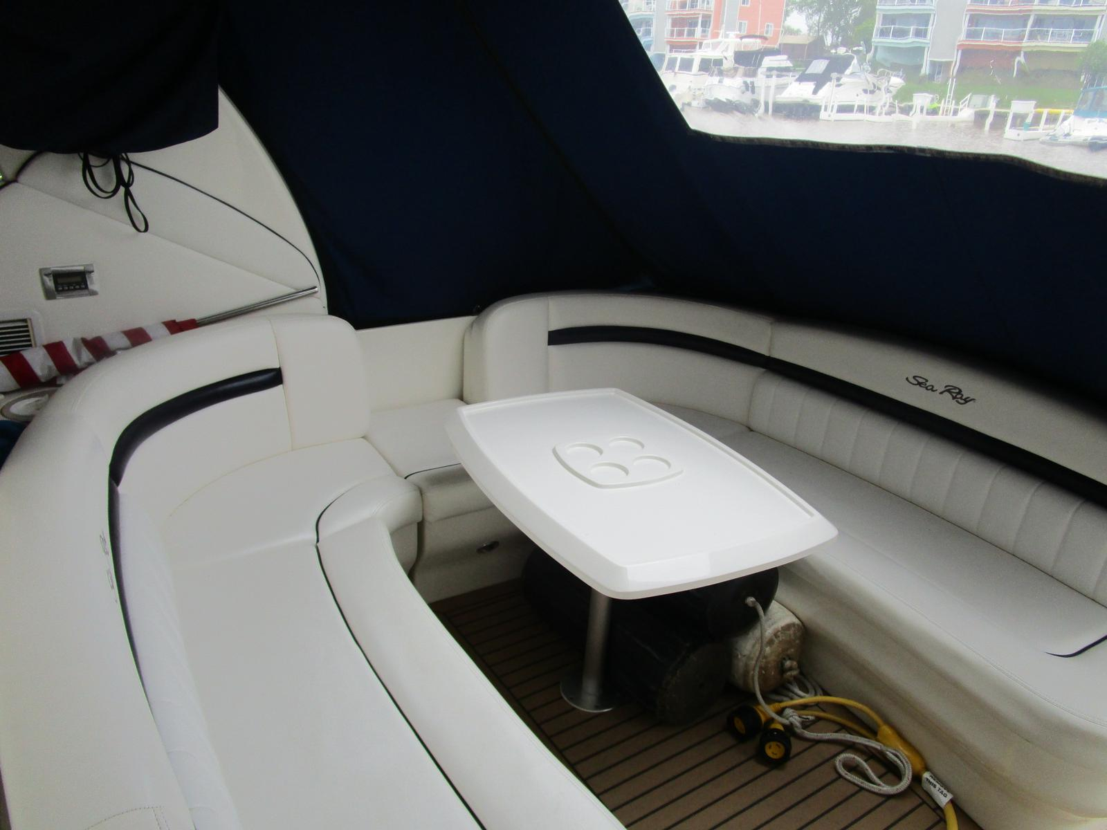 2010 Sea Ray boat for sale, model of the boat is 40 Sundancer & Image # 8 of 14