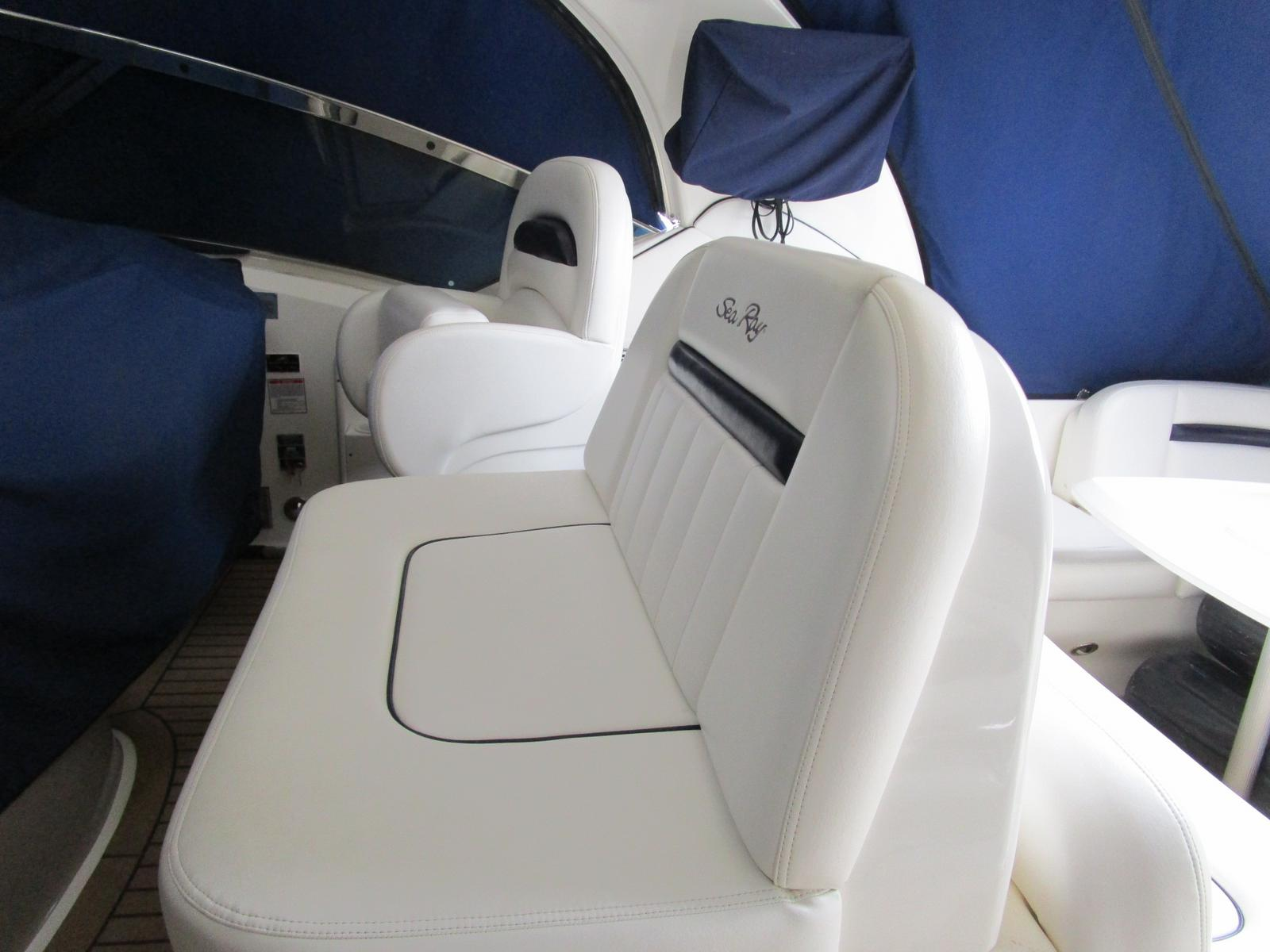 2010 Sea Ray boat for sale, model of the boat is 40 Sundancer & Image # 9 of 14