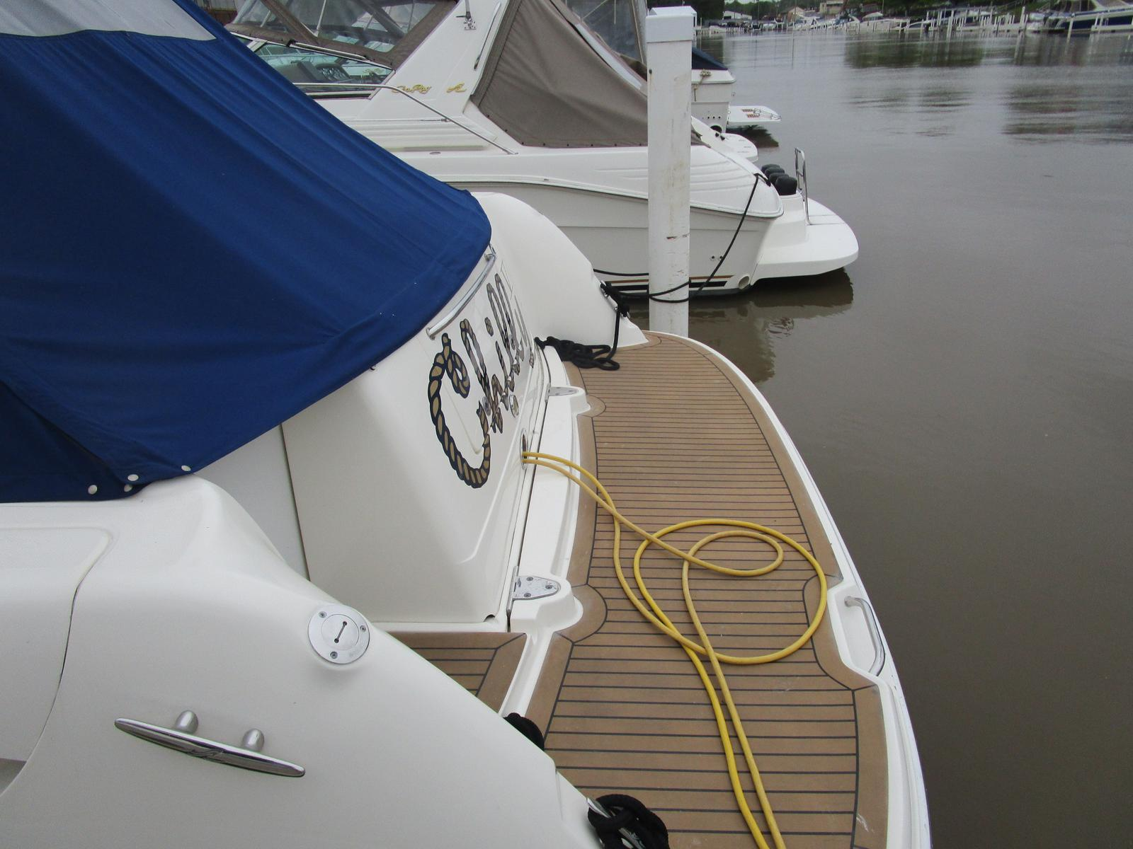 2010 Sea Ray boat for sale, model of the boat is 40 Sundancer & Image # 2 of 14