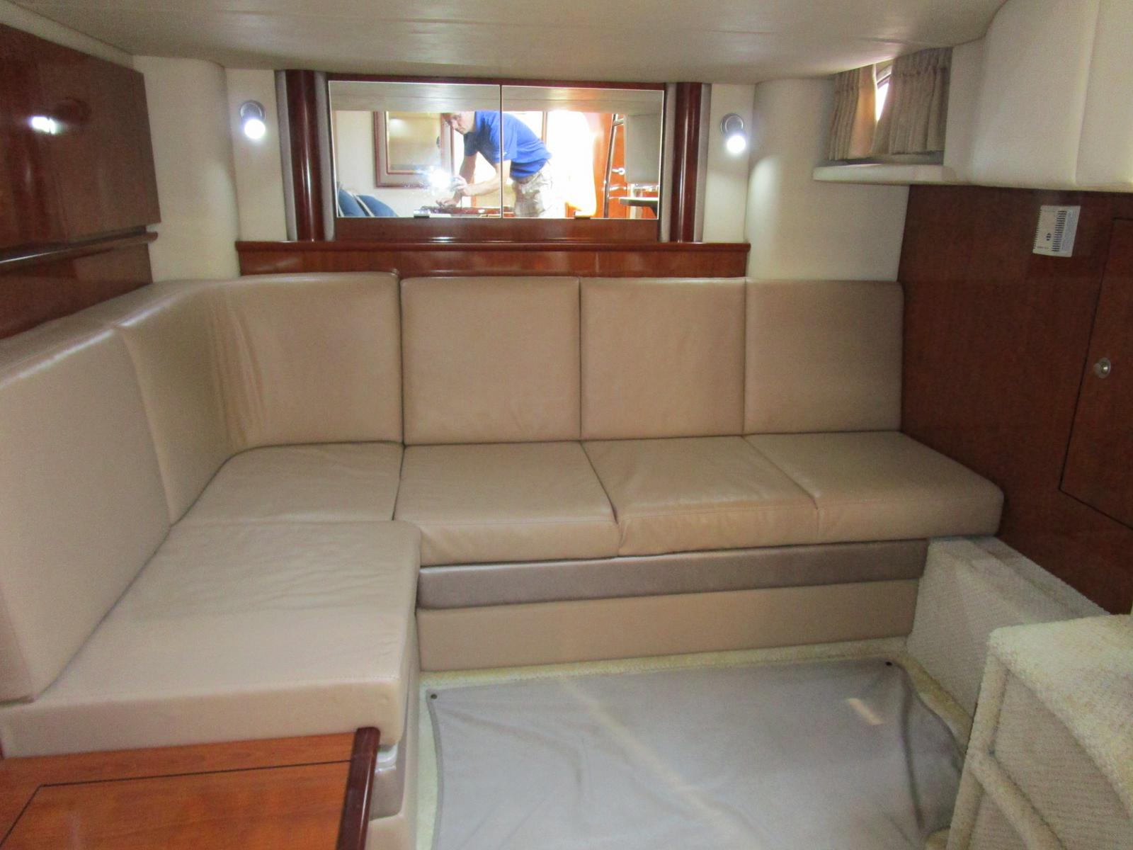 2004 Sea Ray boat for sale, model of the boat is 390 Sundancer & Image # 5 of 8