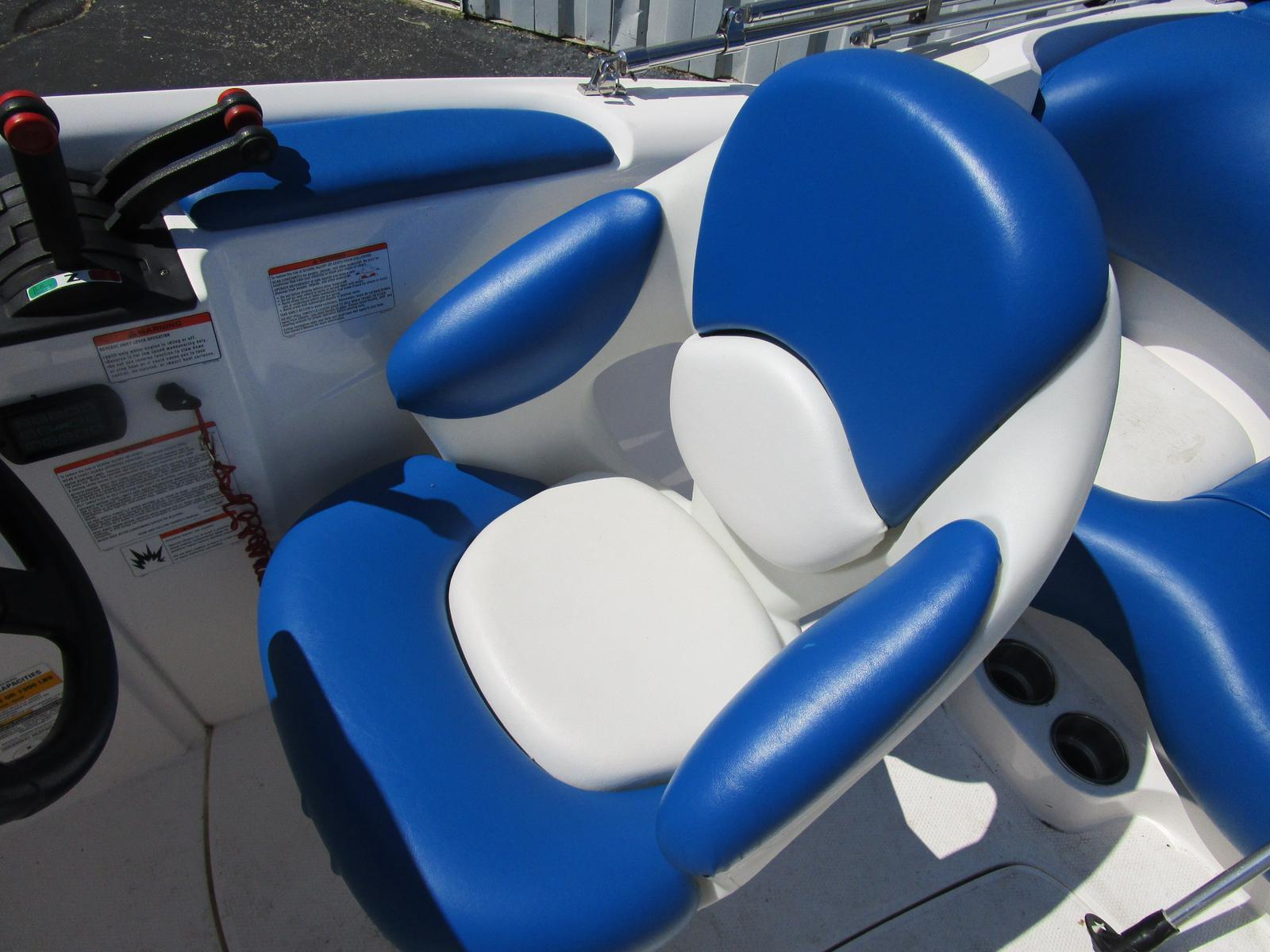 2002 Yamaha boat for sale, model of the boat is LX 2000 & Image # 3 of 5