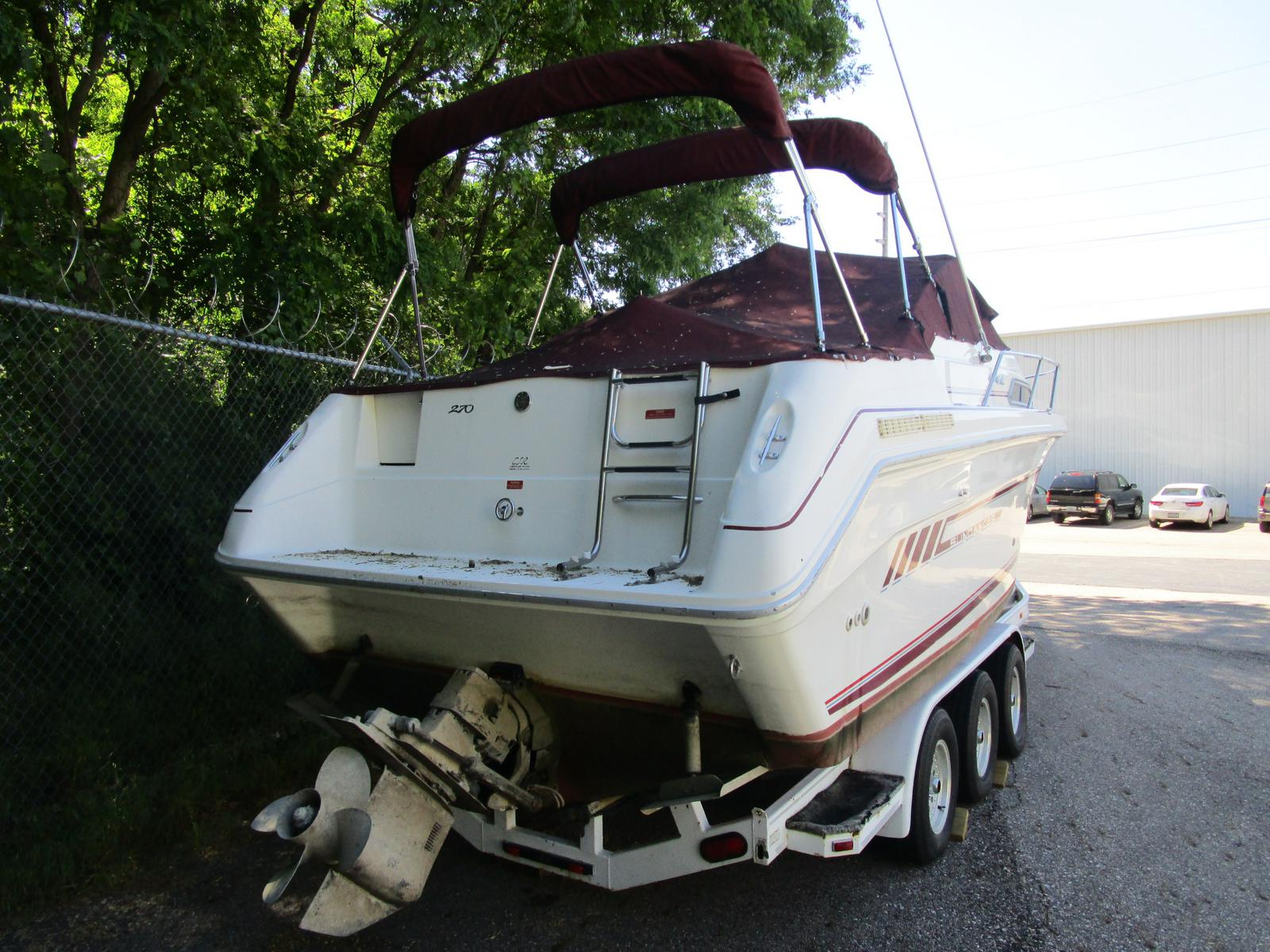 1992 Sea Ray boat for sale, model of the boat is 270 Sundancer & Image # 2 of 8
