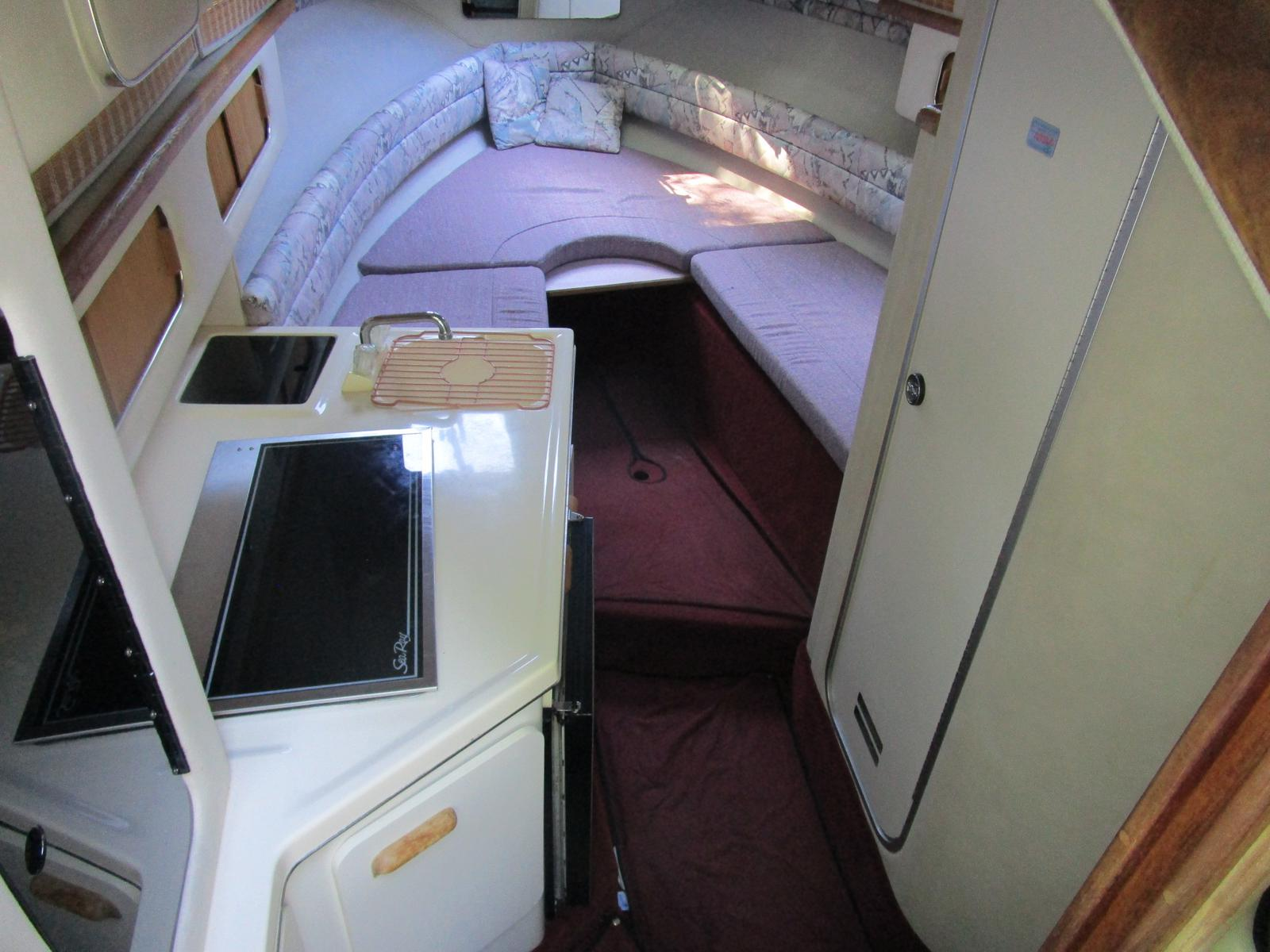 1992 Sea Ray boat for sale, model of the boat is 270 Sundancer & Image # 4 of 8