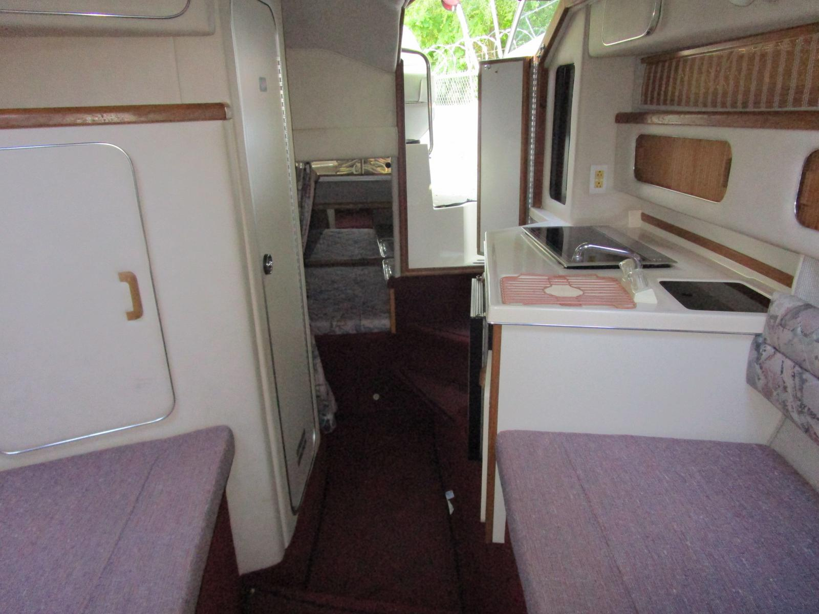 1992 Sea Ray boat for sale, model of the boat is 270 Sundancer & Image # 7 of 8