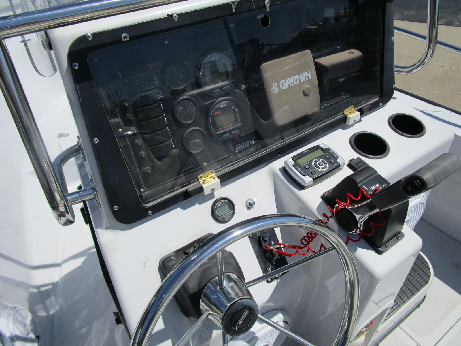 1996 Boston Whaler boat for sale, model of the boat is 190 Outrage & Image # 4 of 9