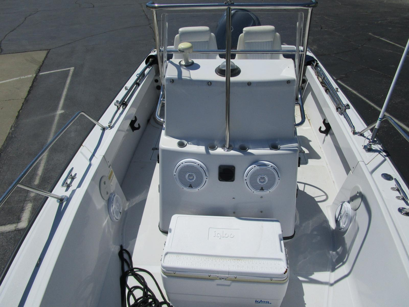 1996 Boston Whaler boat for sale, model of the boat is 190 Outrage & Image # 5 of 9