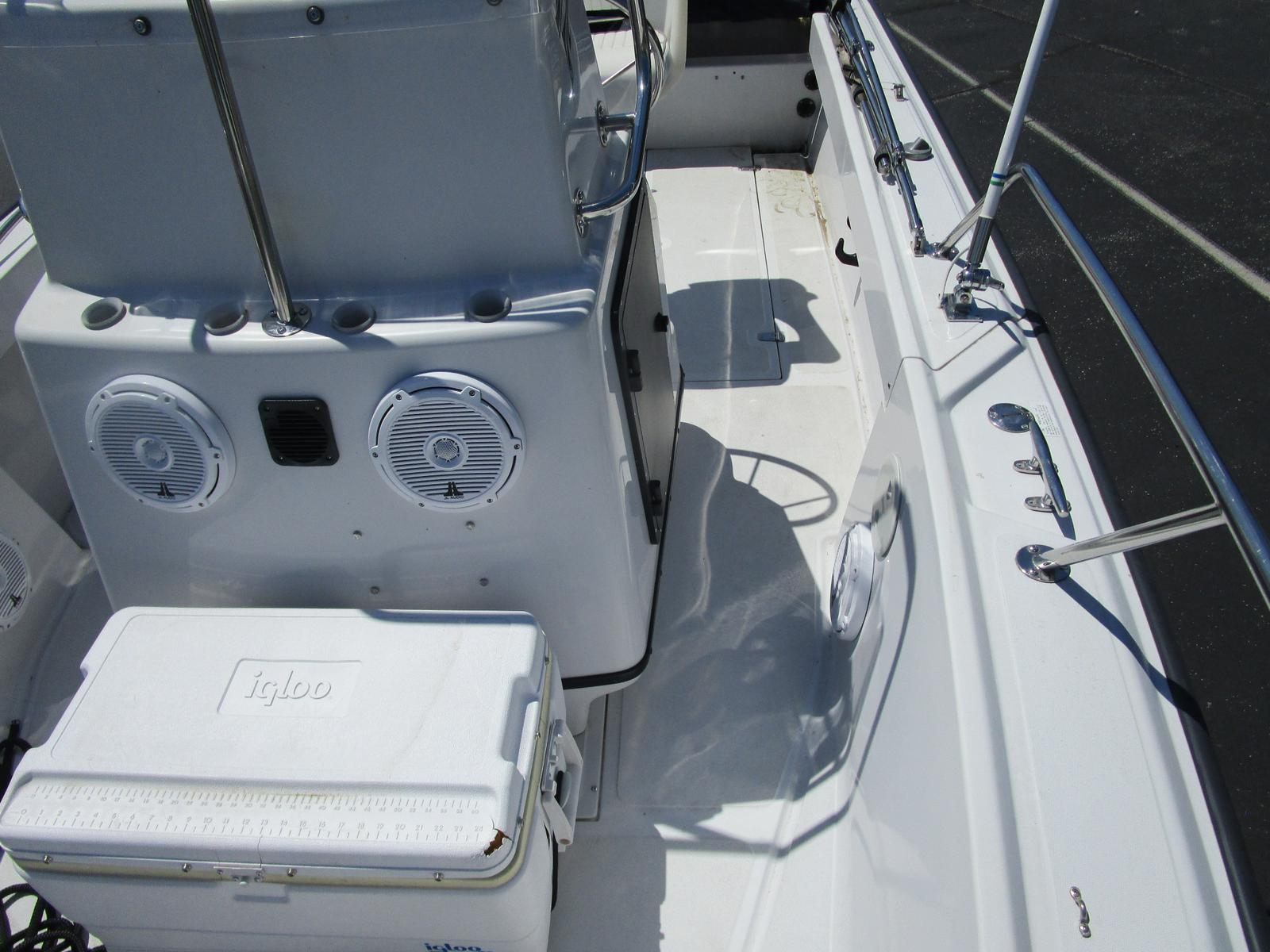 1996 Boston Whaler boat for sale, model of the boat is 190 Outrage & Image # 6 of 9