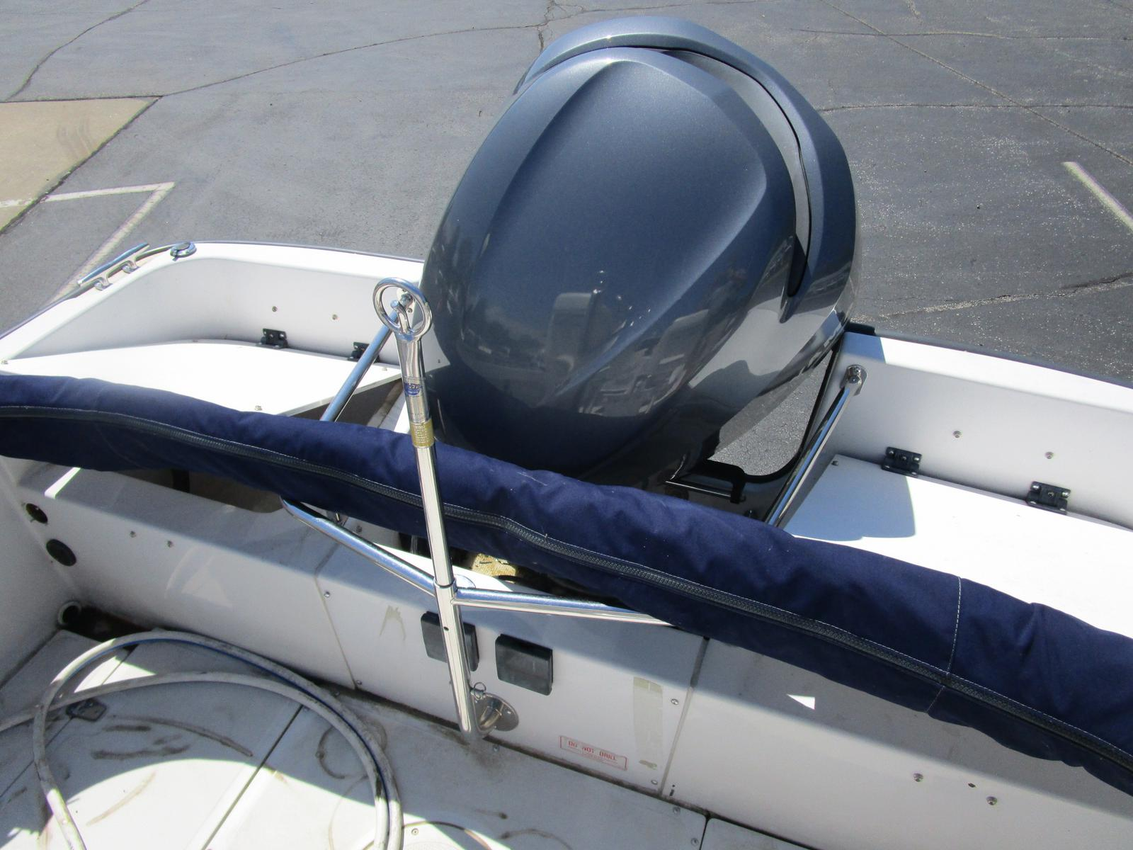 1996 Boston Whaler boat for sale, model of the boat is 190 Outrage & Image # 9 of 9