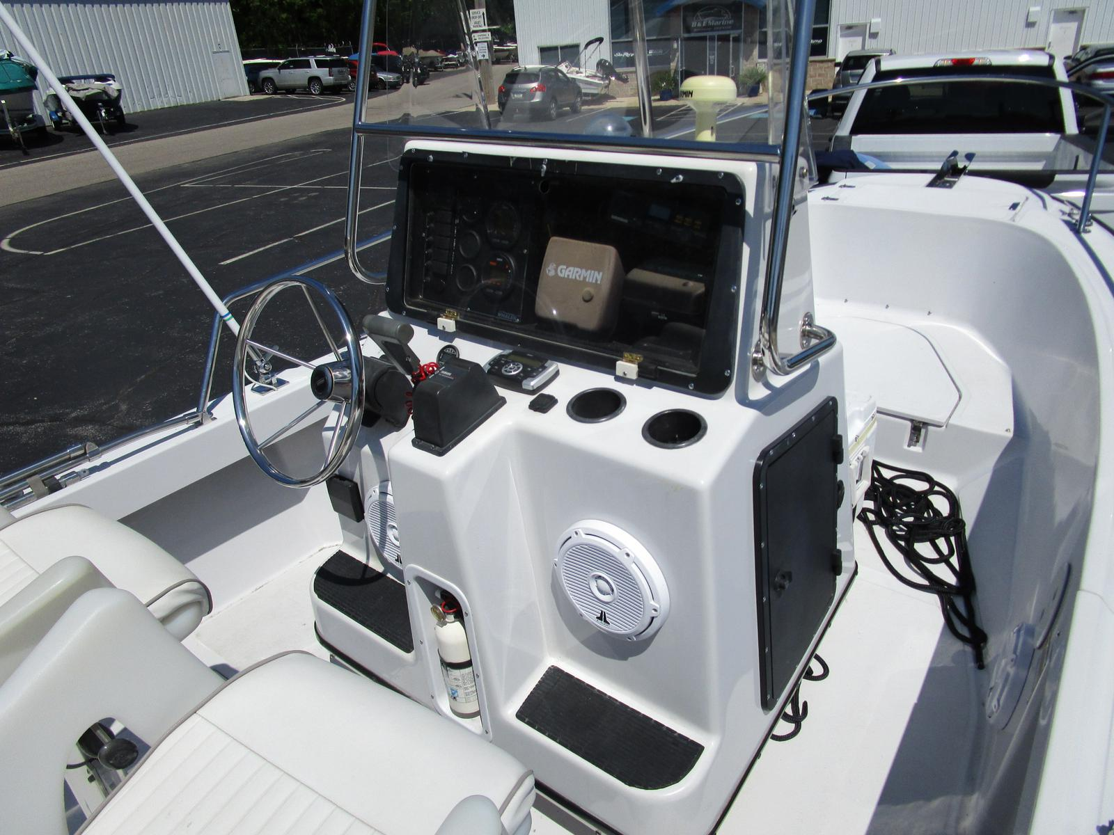 1996 Boston Whaler boat for sale, model of the boat is 190 Outrage & Image # 7 of 9