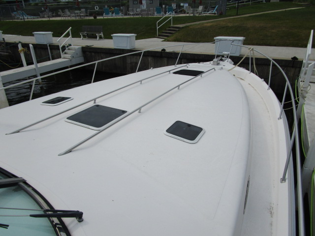 1995 Sea Ray boat for sale, model of the boat is 450 Sundancer & Image # 6 of 26