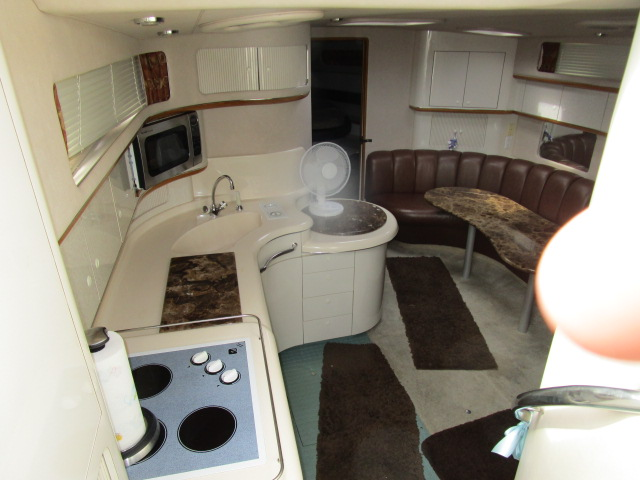 1995 Sea Ray boat for sale, model of the boat is 450 Sundancer & Image # 15 of 26