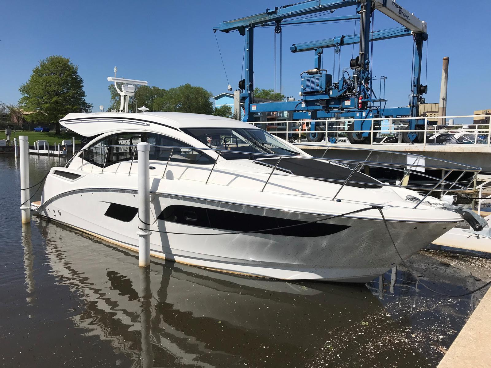 2018 Sea Ray boat for sale, model of the boat is 400 Sundancer & Image # 1 of 11