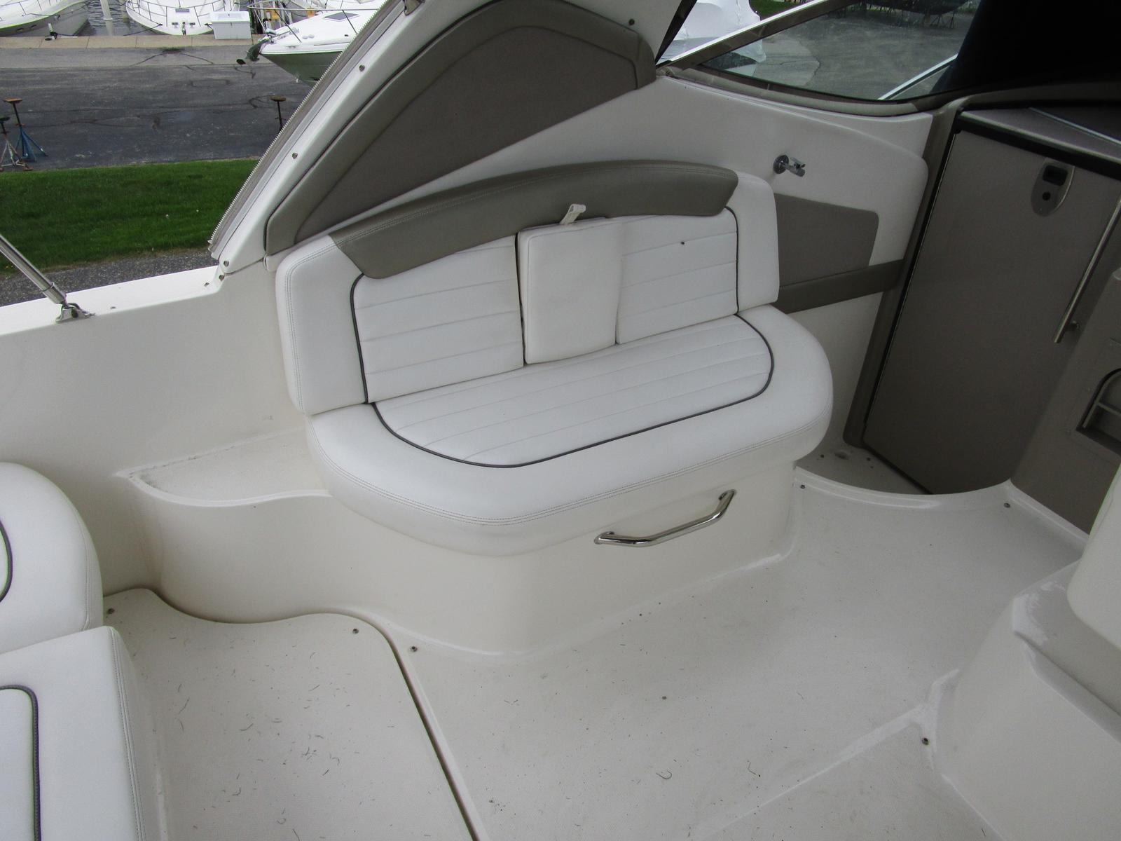 2007 Sea Ray boat for sale, model of the boat is 290 Sundancer & Image # 5 of 10
