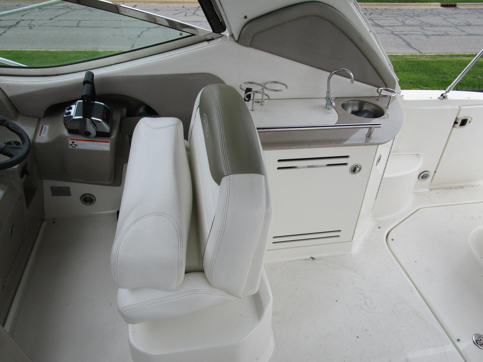 2007 Sea Ray boat for sale, model of the boat is 290 Sundancer & Image # 6 of 10