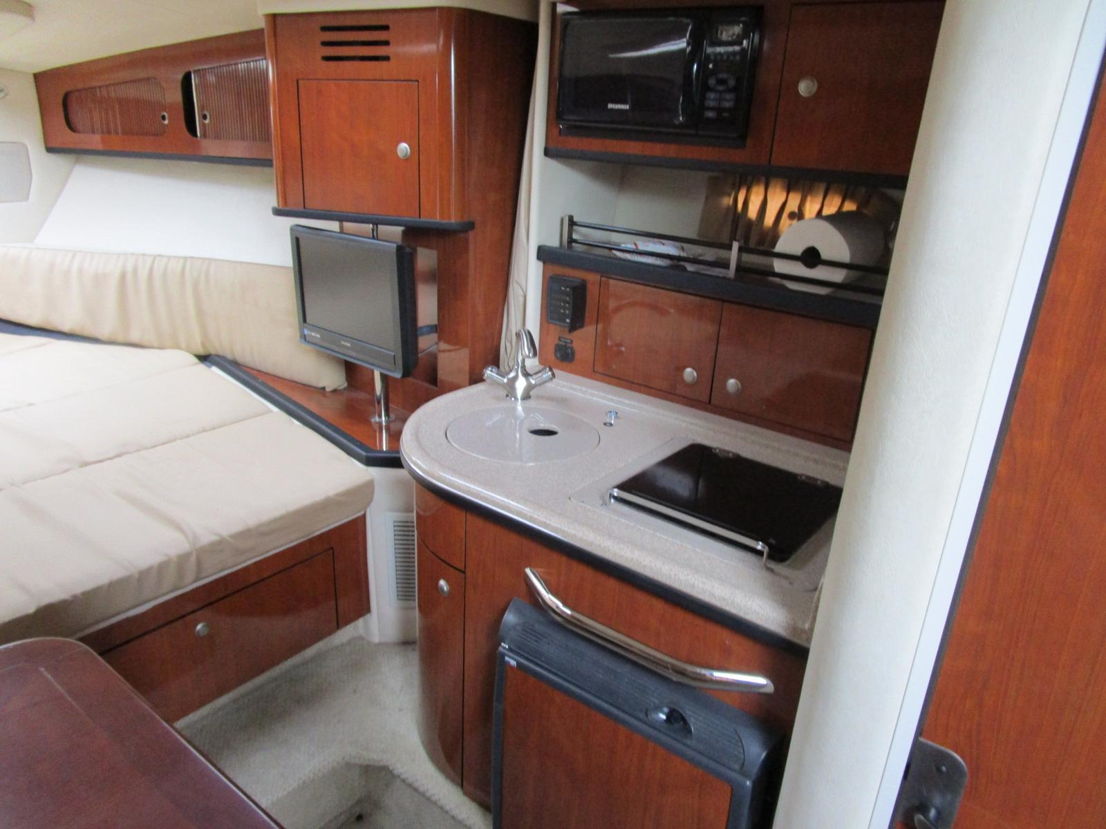 2007 Sea Ray boat for sale, model of the boat is 290 Sundancer & Image # 9 of 10
