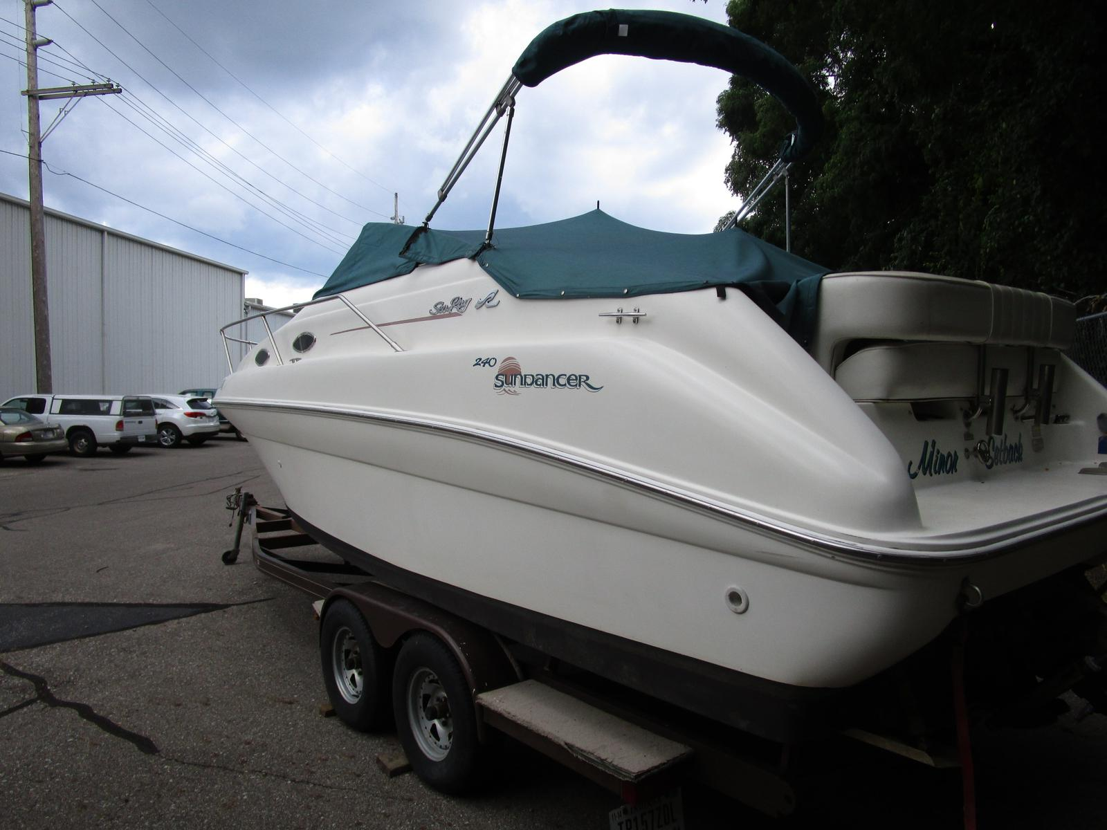 1997 Sea Ray boat for sale, model of the boat is 240 sundancer & Image # 3 of 8