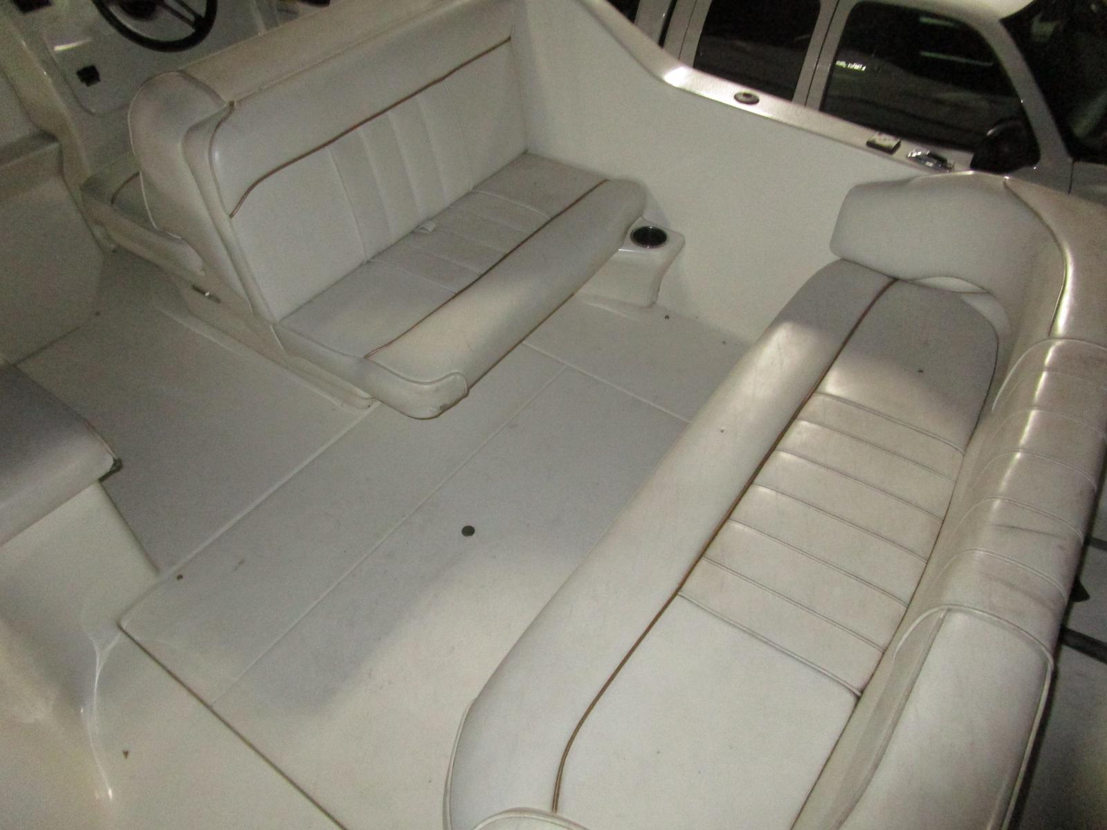 1997 Sea Ray boat for sale, model of the boat is 240 sundancer & Image # 5 of 8
