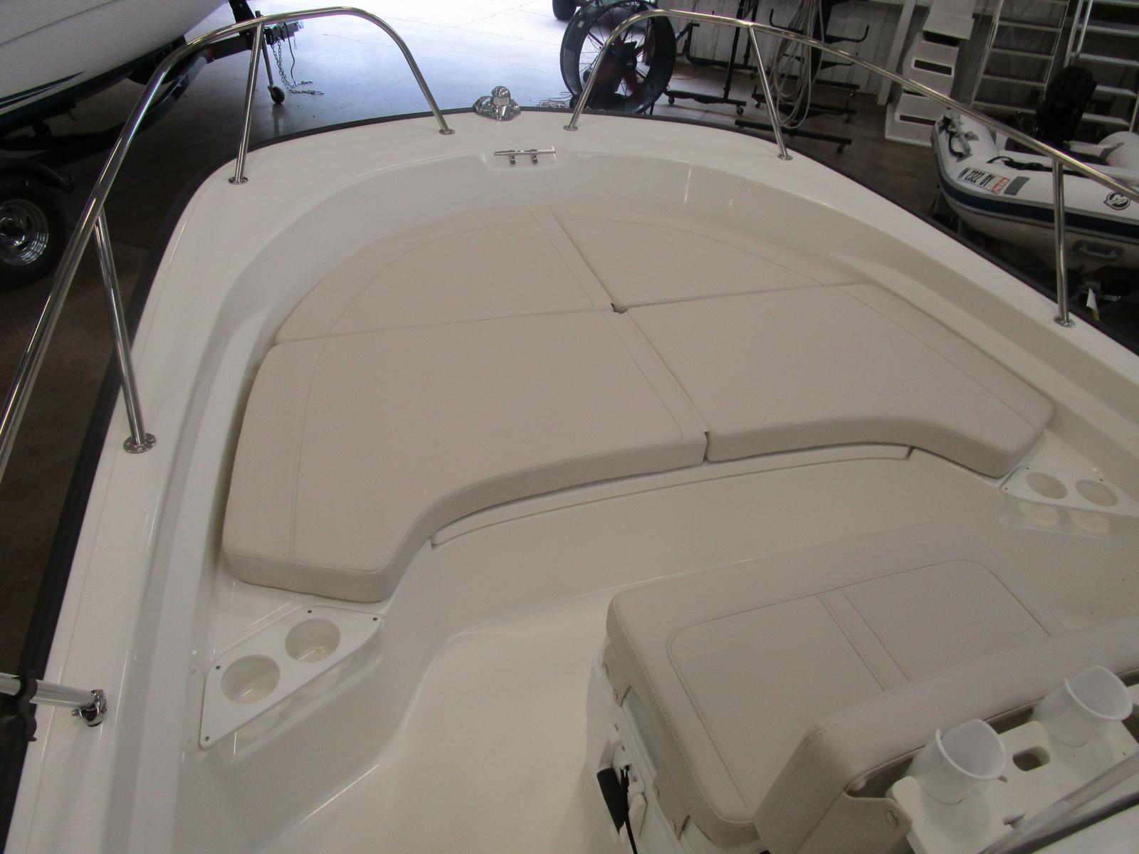 2018 Boston Whaler boat for sale, model of the boat is 190 Montauk & Image # 4 of 5
