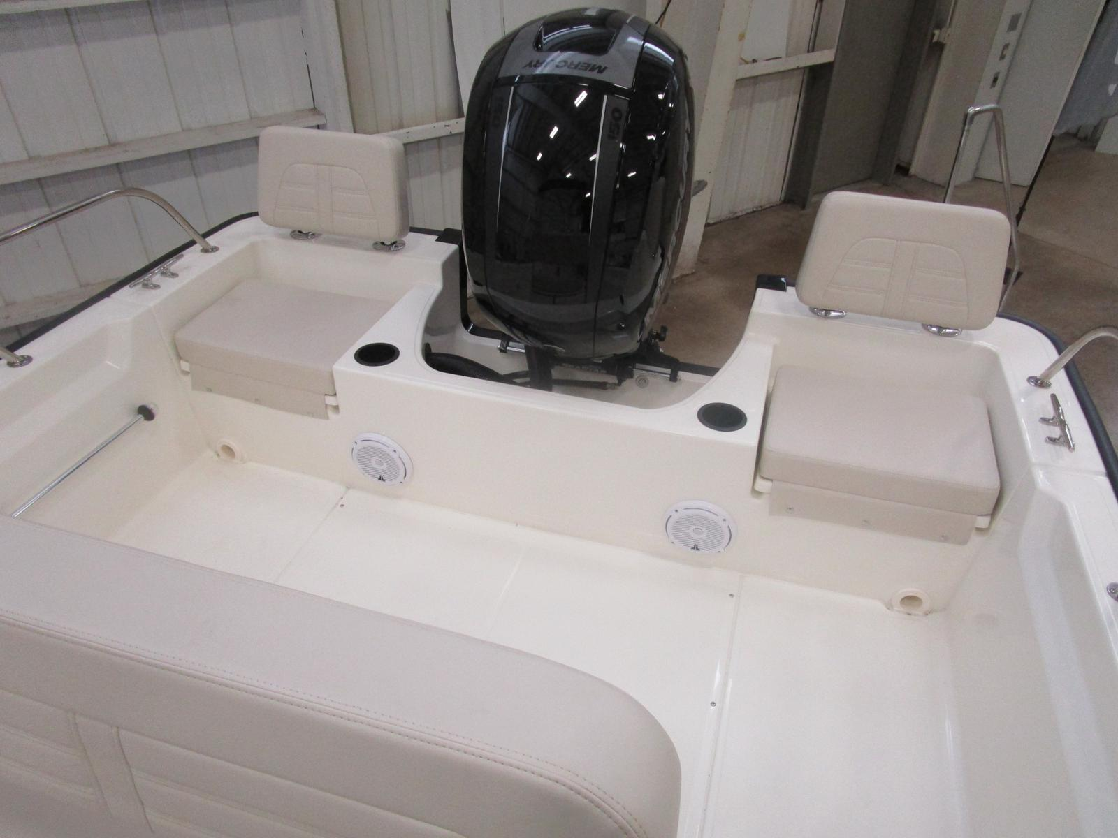 2018 Boston Whaler boat for sale, model of the boat is 190 Montauk & Image # 5 of 5