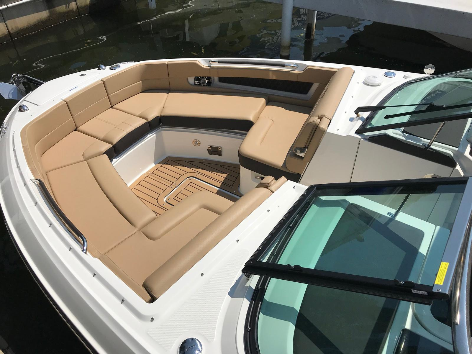 2019 Sea Ray boat for sale, model of the boat is SLX 310 & Image # 3 of 5