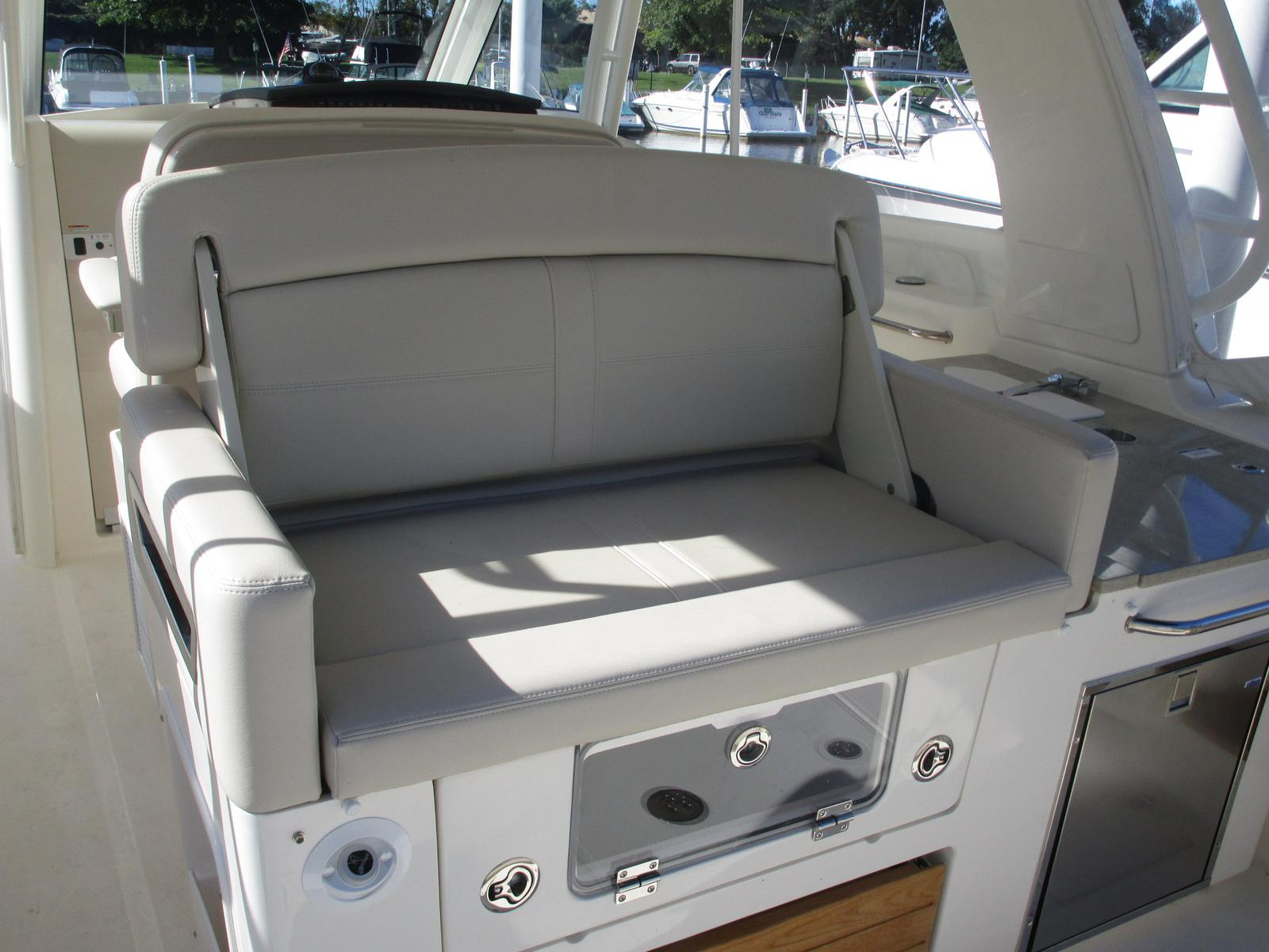 2019 Boston Whaler boat for sale, model of the boat is 350 Realm & Image # 5 of 10