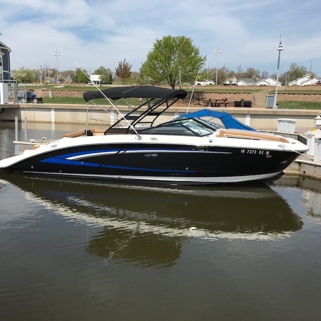 2015 Sea Ray boat for sale, model of the boat is 270 Sundeck & Image # 1 of 2