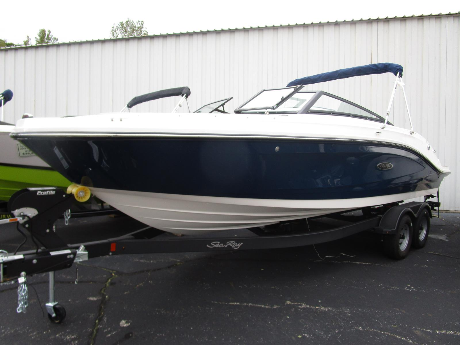 2019 Sea Ray boat for sale, model of the boat is SPX 230 & Image # 1 of 7