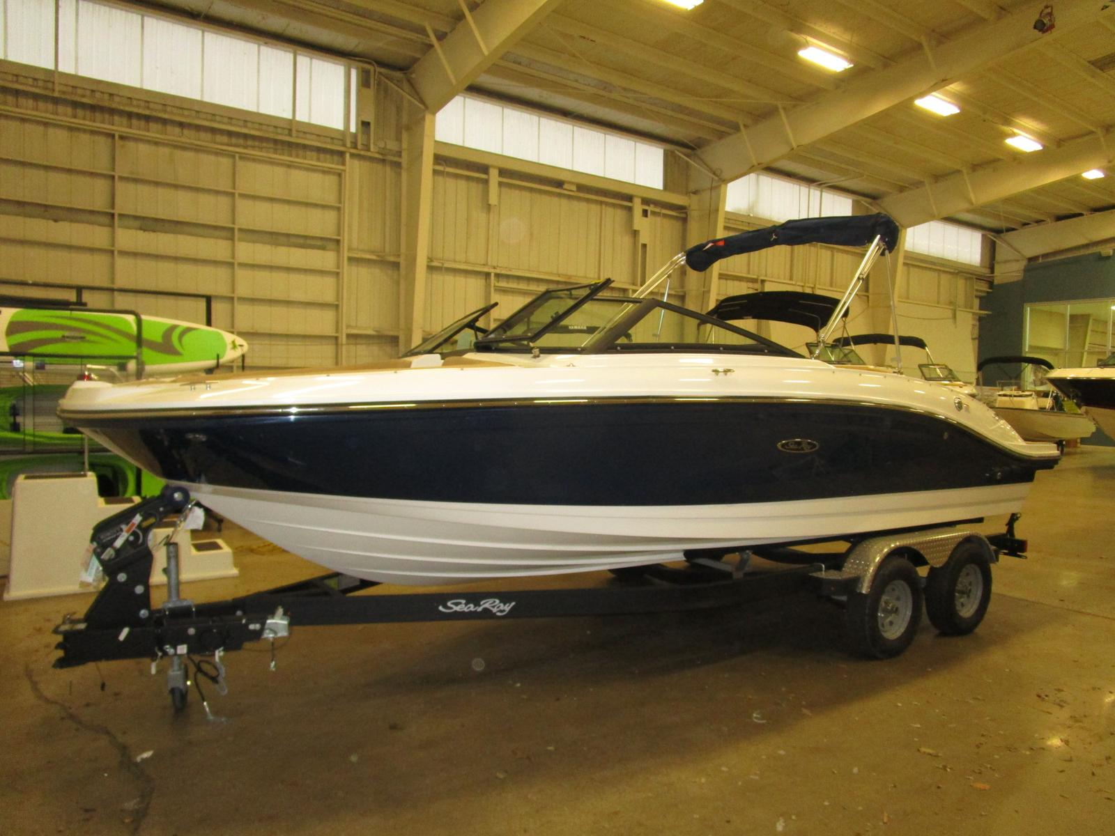2019 Sea Ray boat for sale, model of the boat is SPX 210 & Image # 1 of 7