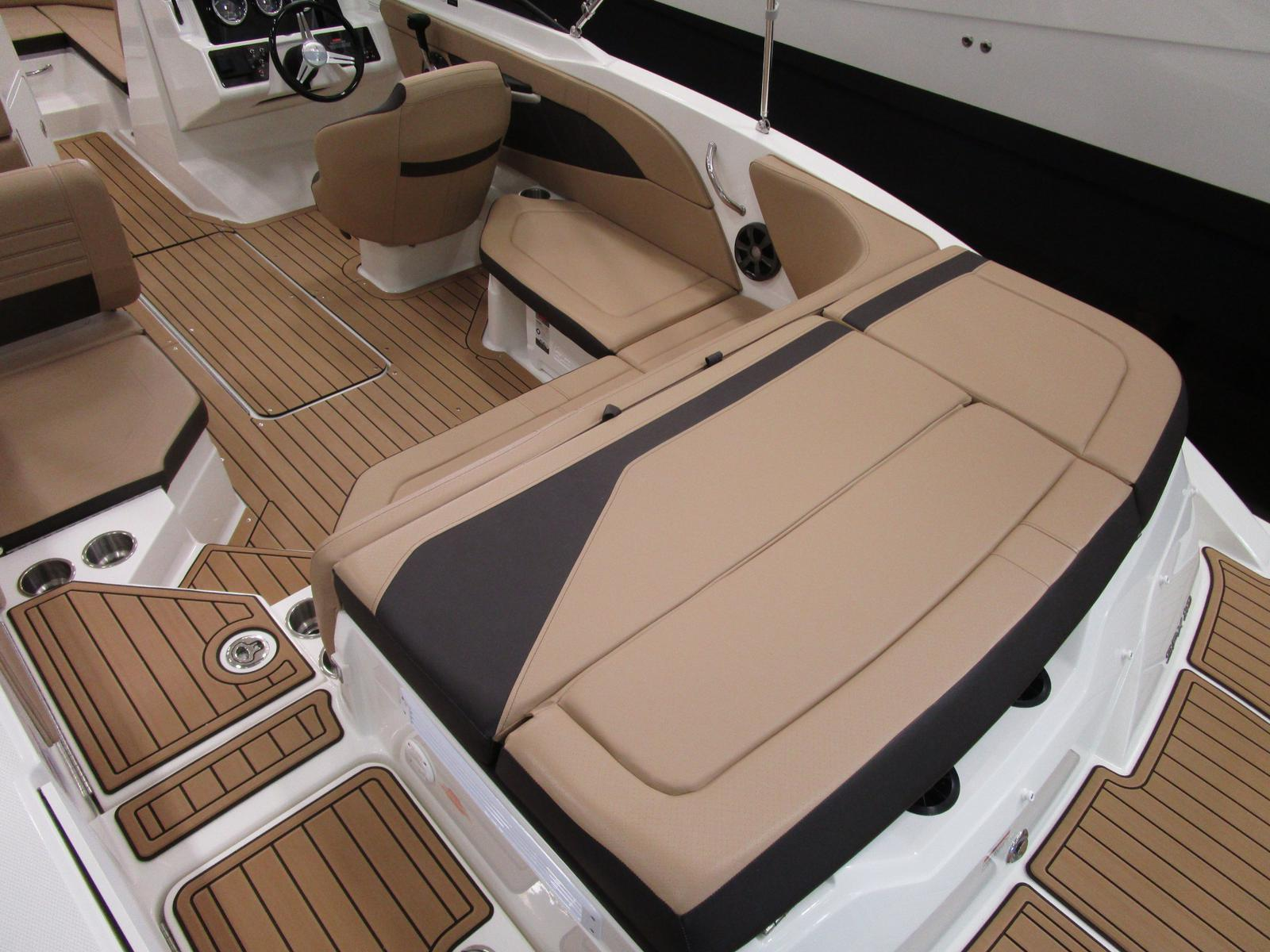 2019 Sea Ray boat for sale, model of the boat is SPX 210 & Image # 3 of 7
