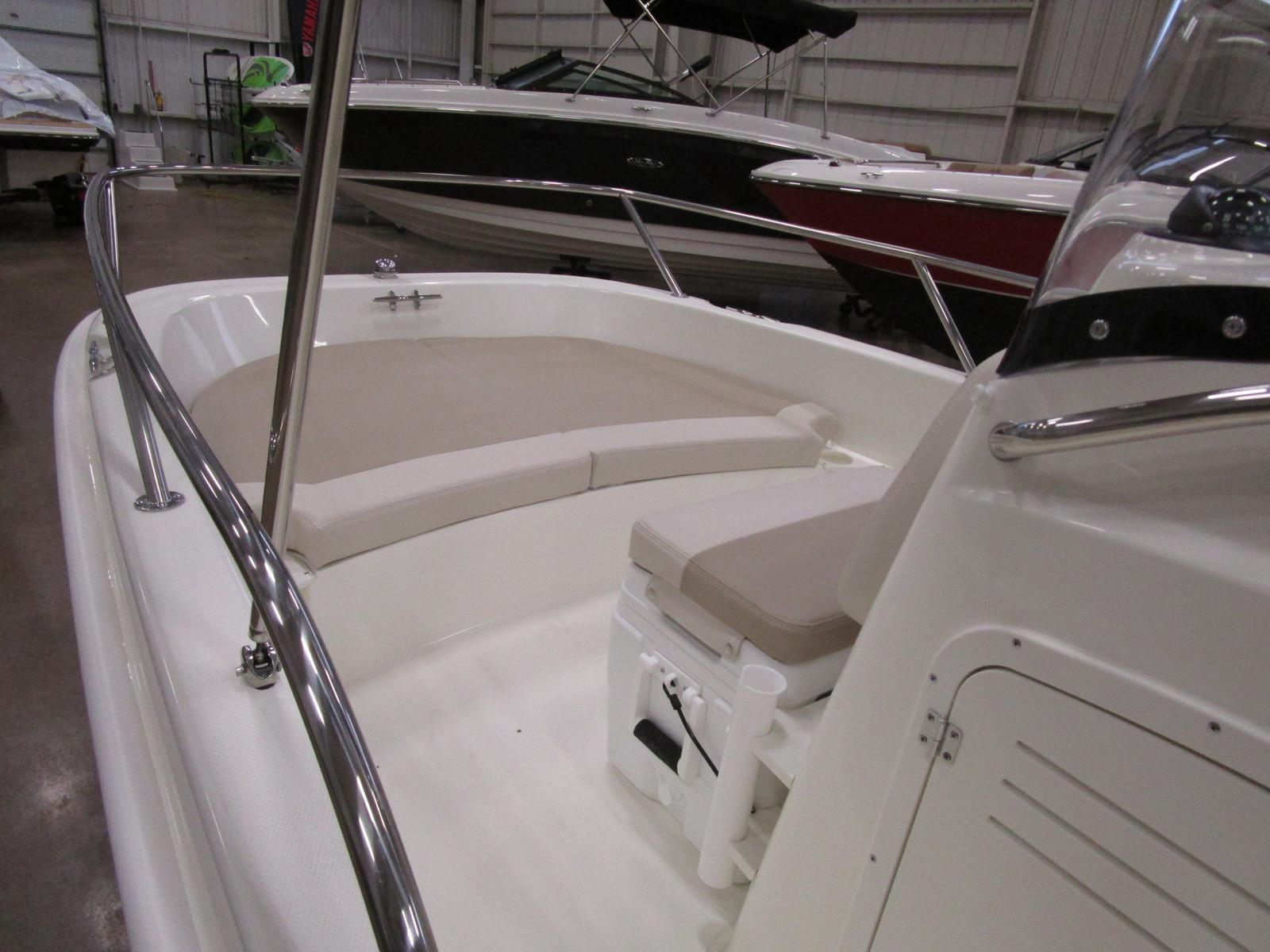 2019 Boston Whaler boat for sale, model of the boat is 170 Dauntless & Image # 4 of 5