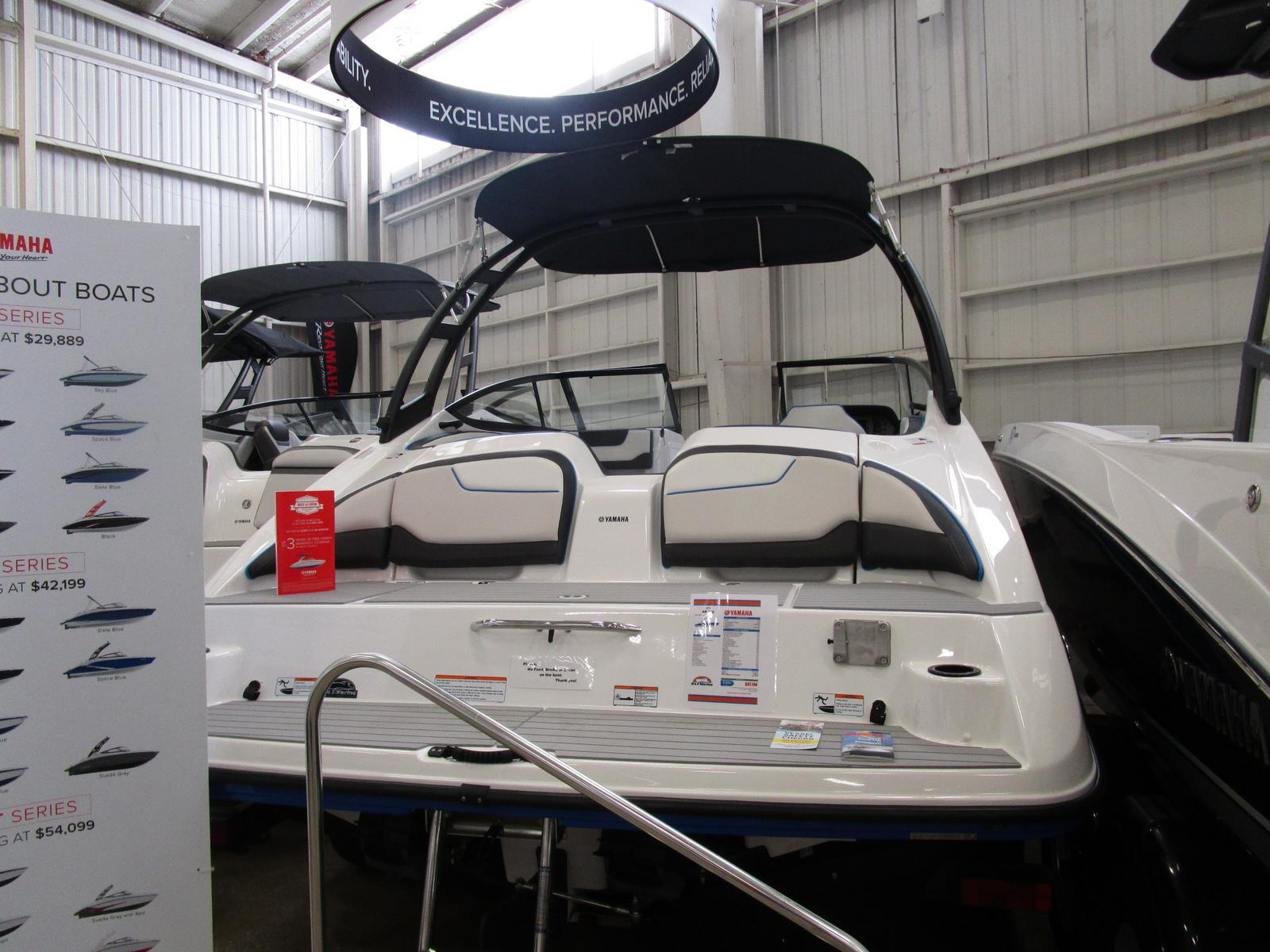 2019 Yamaha boat for sale, model of the boat is AR 210 & Image # 2 of 5