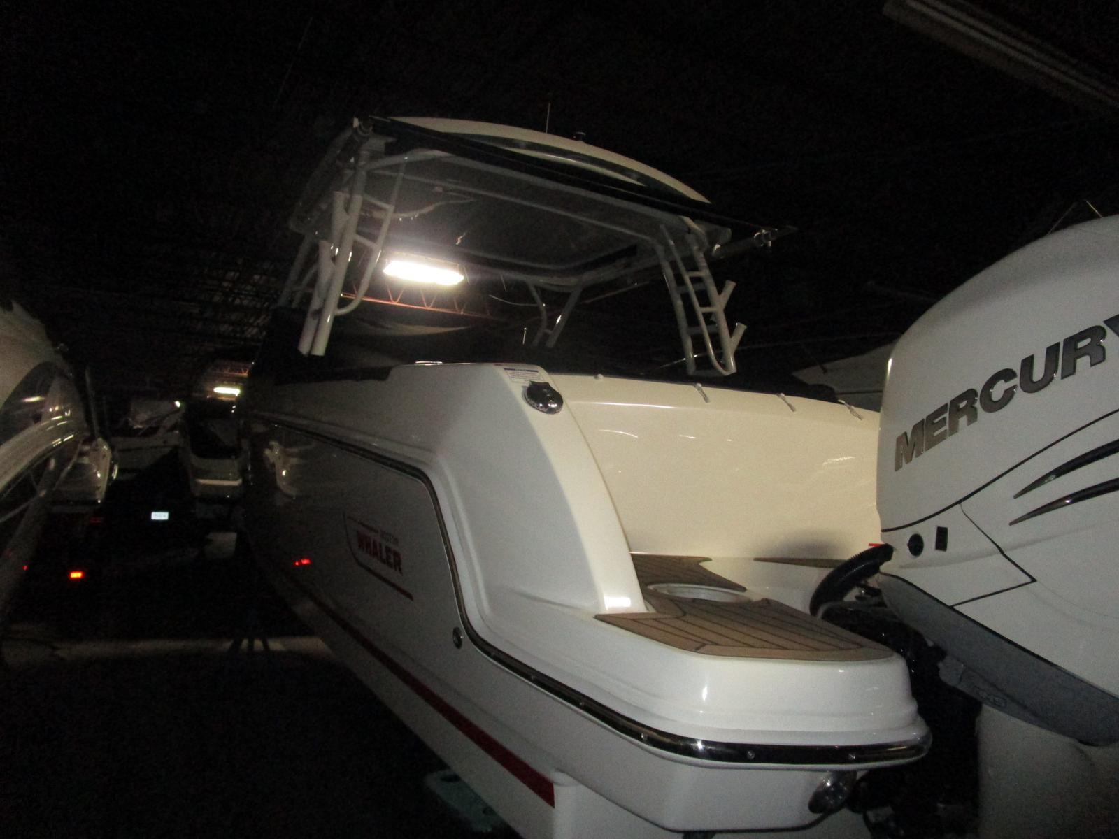 2017 Boston Whaler boat for sale, model of the boat is 270 Vantage Freshwater, Joystick, Loaded!!! & Image # 6 of 14