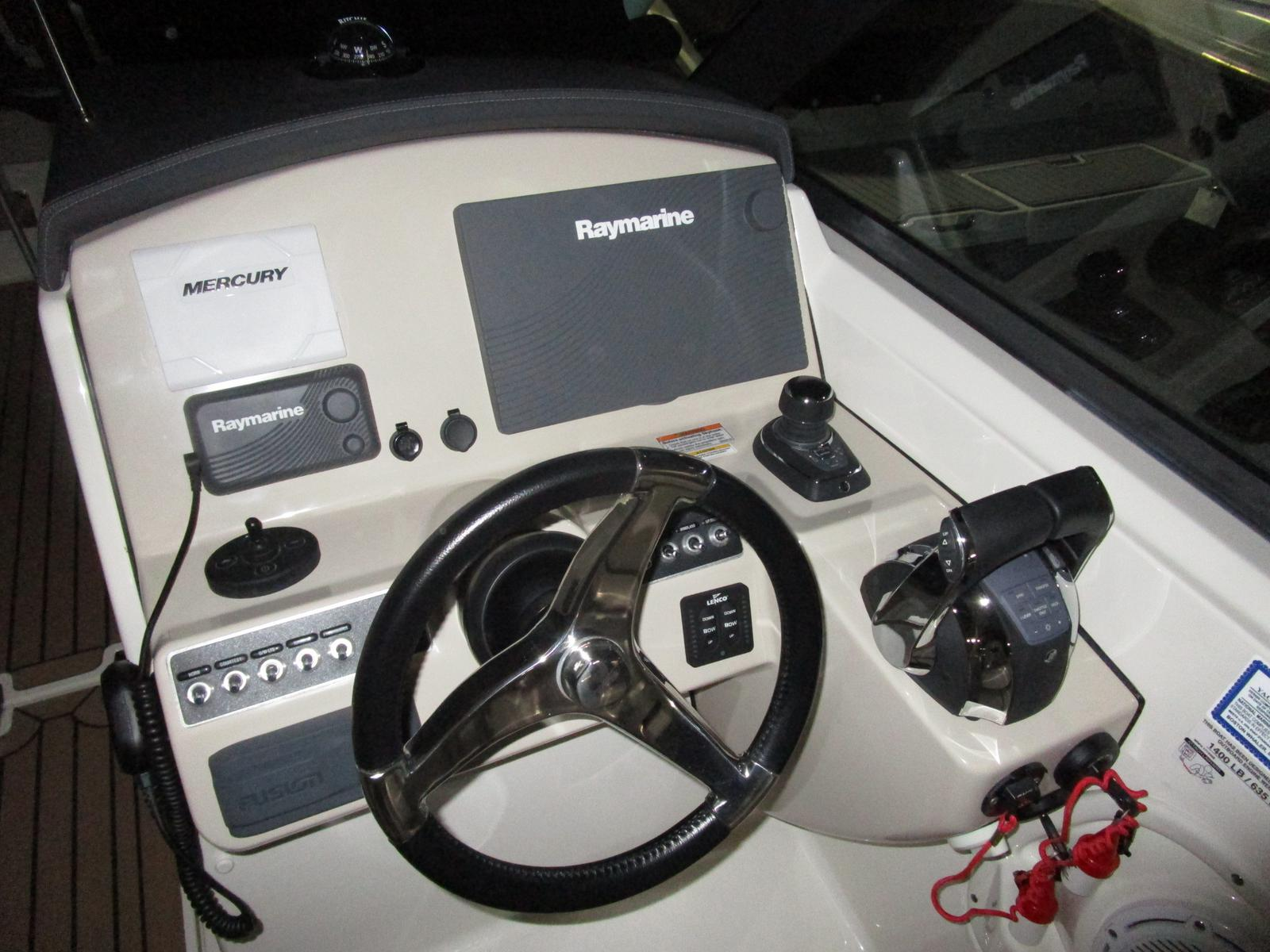 2017 Boston Whaler boat for sale, model of the boat is 270 Vantage Freshwater, Joystick, Loaded!!! & Image # 8 of 14