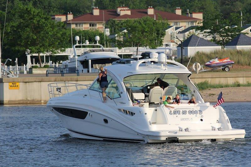 2012 Sea Ray boat for sale, model of the boat is 500 Sundancer & Image # 15 of 18