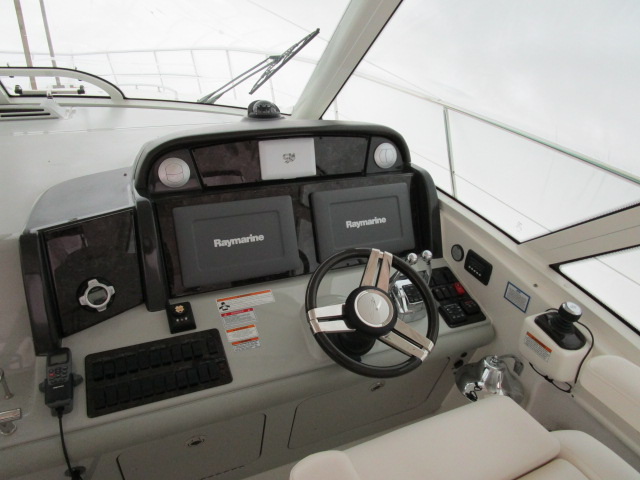 2012 Sea Ray boat for sale, model of the boat is 500 Sundancer & Image # 17 of 18