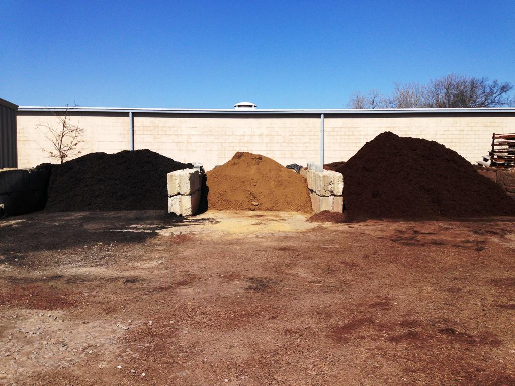 Brown & Black Mulch