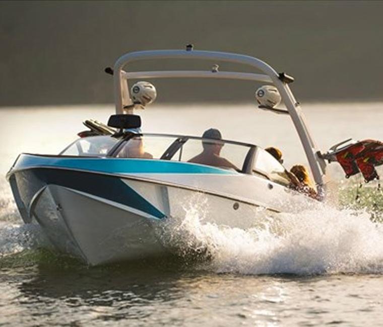 Malibu VLX Wakeboard Boats
