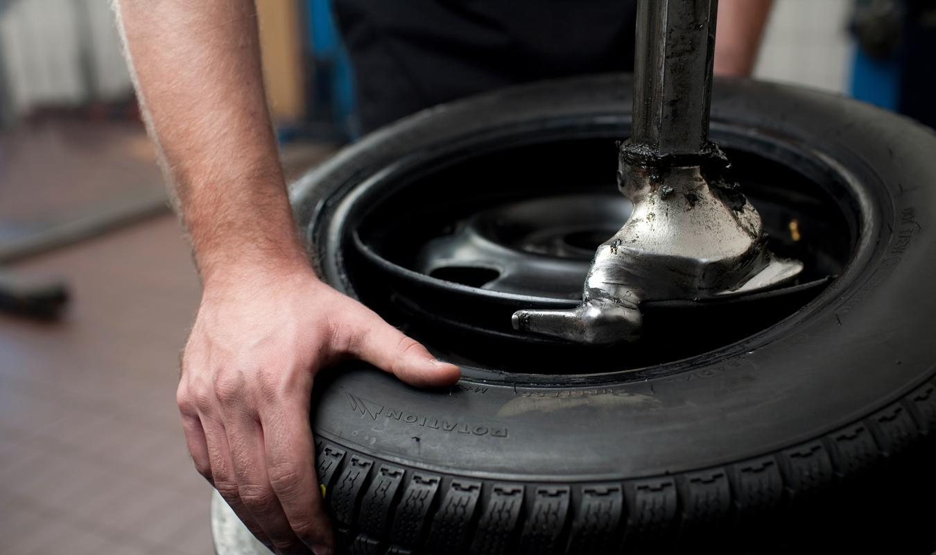Tire Repair Near Me Open Sunday >> Tire Repair Fullerton Fix A Flat Flat Tire Repair Flat Tire