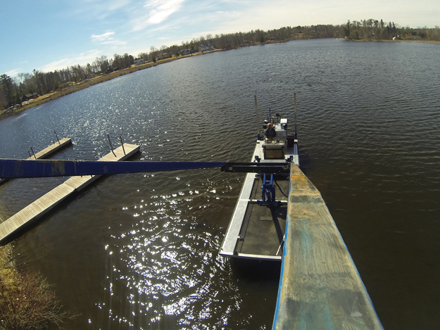 Forked Barge with Lift Up