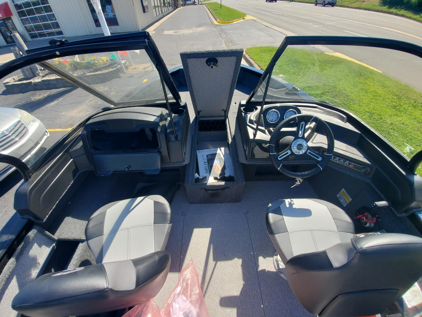 2020 Crestliner boat for sale, model of the boat is 1750 Fish Hawk Walk-through & Image # 8 of 31
