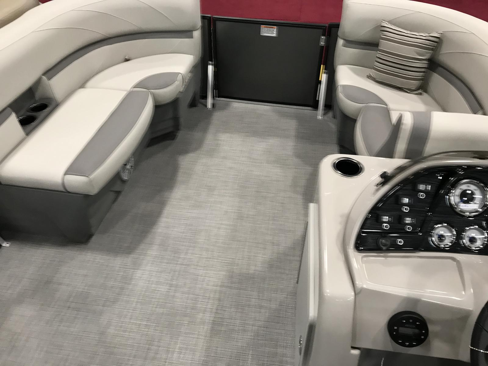 2020 SunChaser boat for sale, model of the boat is Geneva Cruise 20 LR DH & Image # 7 of 11