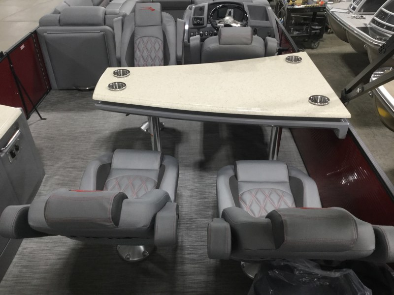 2020 Bennington boat for sale, model of the boat is 25 RSD & Image # 5 of 15