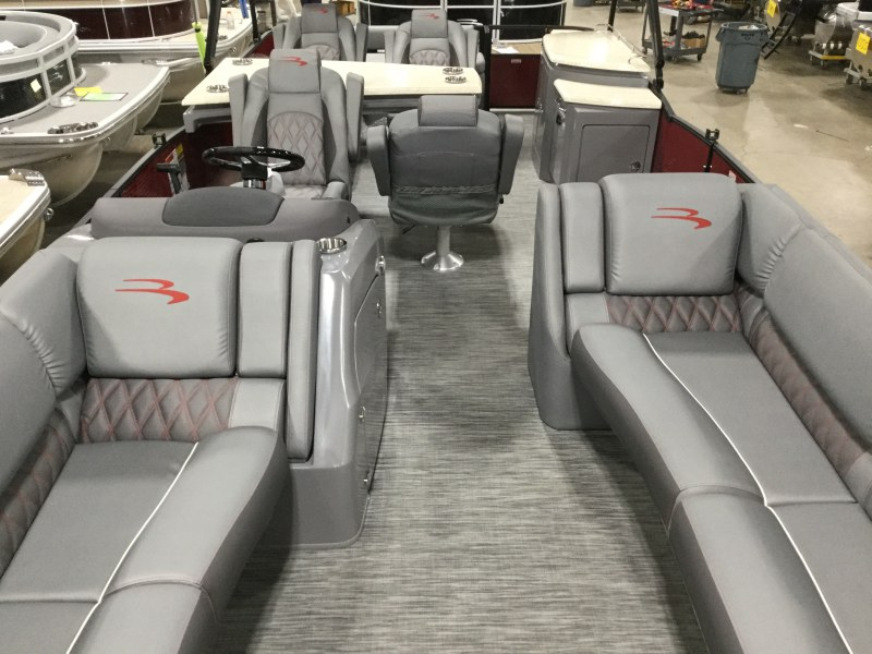 2020 Bennington boat for sale, model of the boat is 25 RSD & Image # 8 of 15